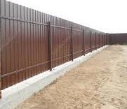 Забор из профнастила ПС-10 с ленточным фундаментом