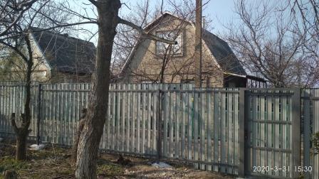 Забор и калитка из металлического штакетника
