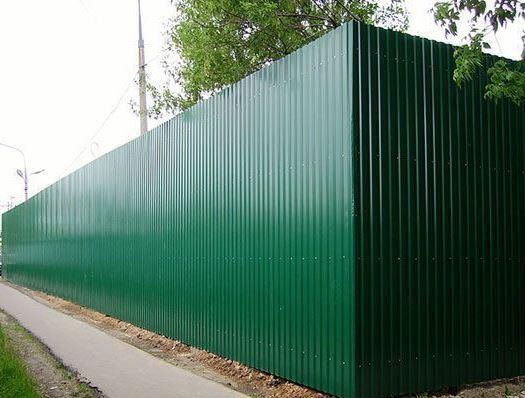 Забор из профнастила ПС-10 с столбчатым фундаментом